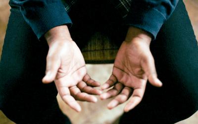 Persoonlijke ontwikkeling stimuleren bij werknemers door op je handen te gaan zitten