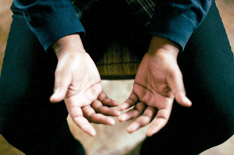 Ontwikkelen door op je handen te gaan zitten
